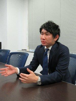 佐藤諒氏(商品開発部 商品戦略グループ マネジャー)