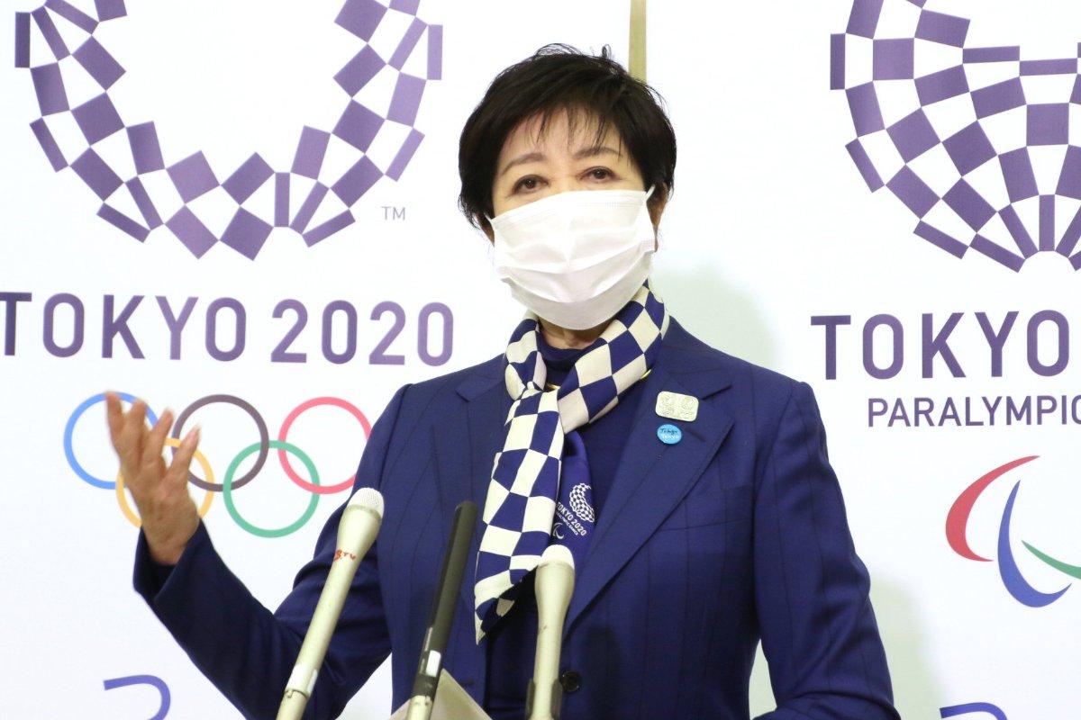今夏の東京五輪・パラリンピックに向けて行われた5者会談の終了後、記者団の取材に応じる小池百合子都知事=20日、都庁