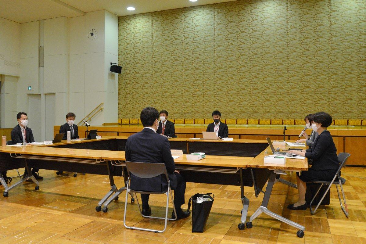 認可申請をめぐる大阪堂島商品取引所(当時)に対する意見聴取会=5日、東京・霞が関の農林水産省