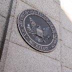 米株価乱高下で規制論強まる SNS連携・空売りが焦点