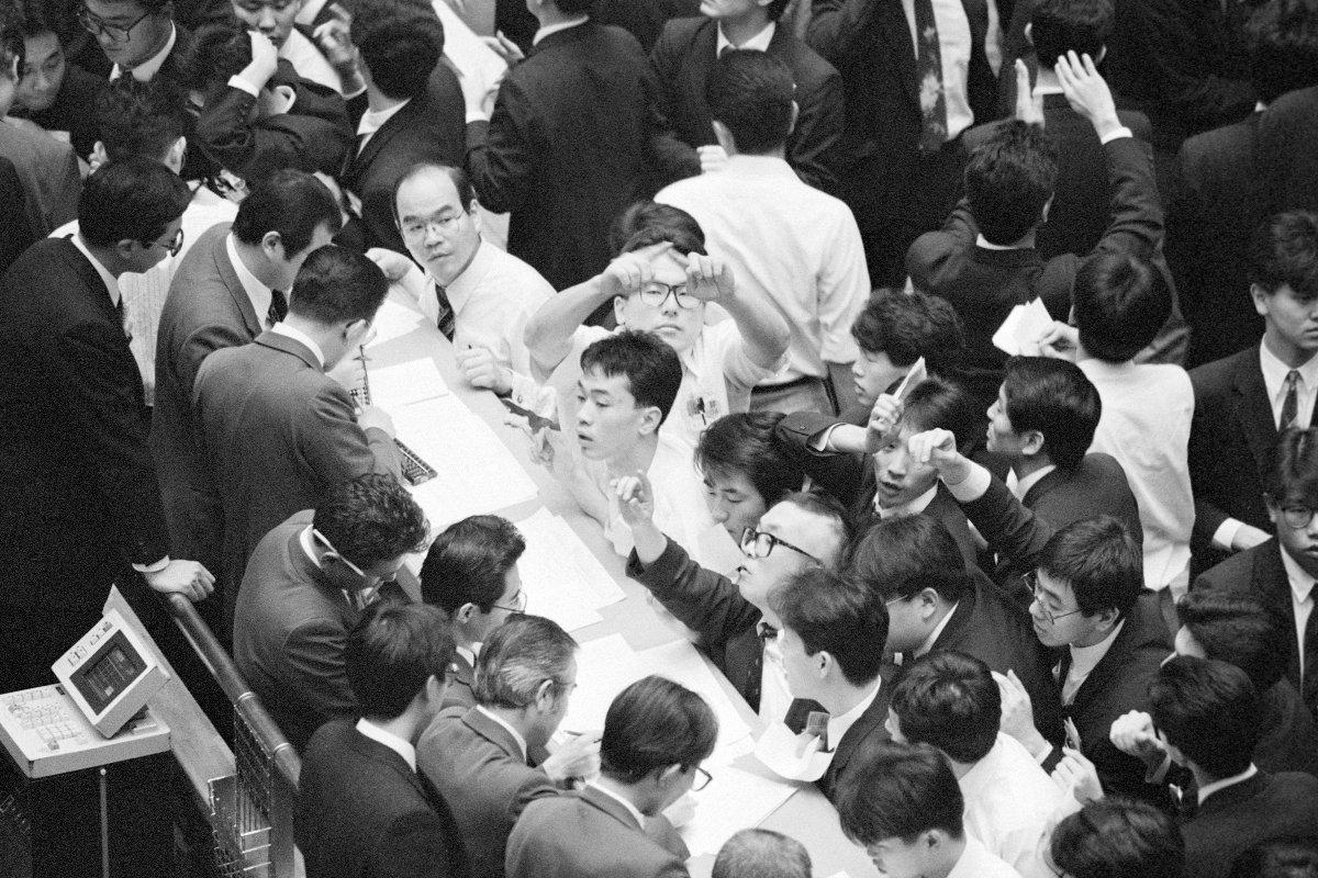 バブル期の東京証券取引所=1989年12月(東京・日本橋兜町)