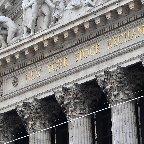 米株価、なぜ連日最高値?=景気浮揚策に期待―ニュースを探るQ&A