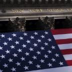 〔NY株式のポイント〕ファイザーや航空株急伸=金融株も高い(9日)