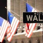 〔米株式〕NYダウ反発、148ドル高=最高値更新―経済対策期待(17日)